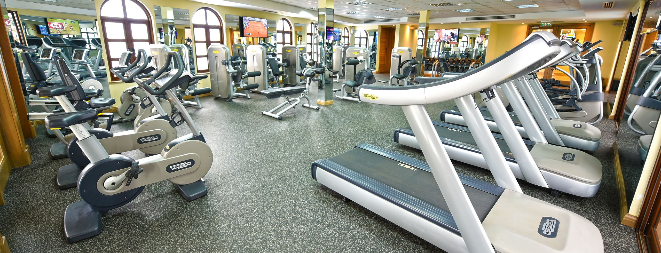 Services Gym 1 equipment