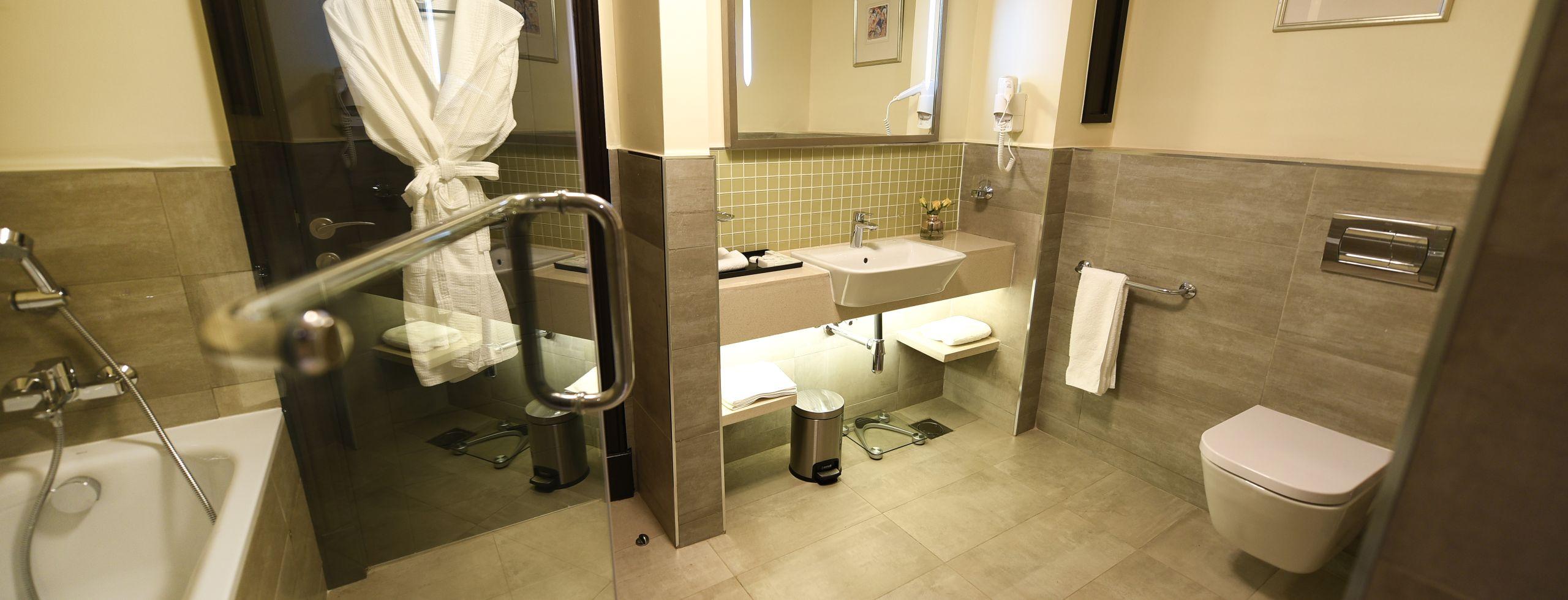 Accommodation three bed 4 bathroom