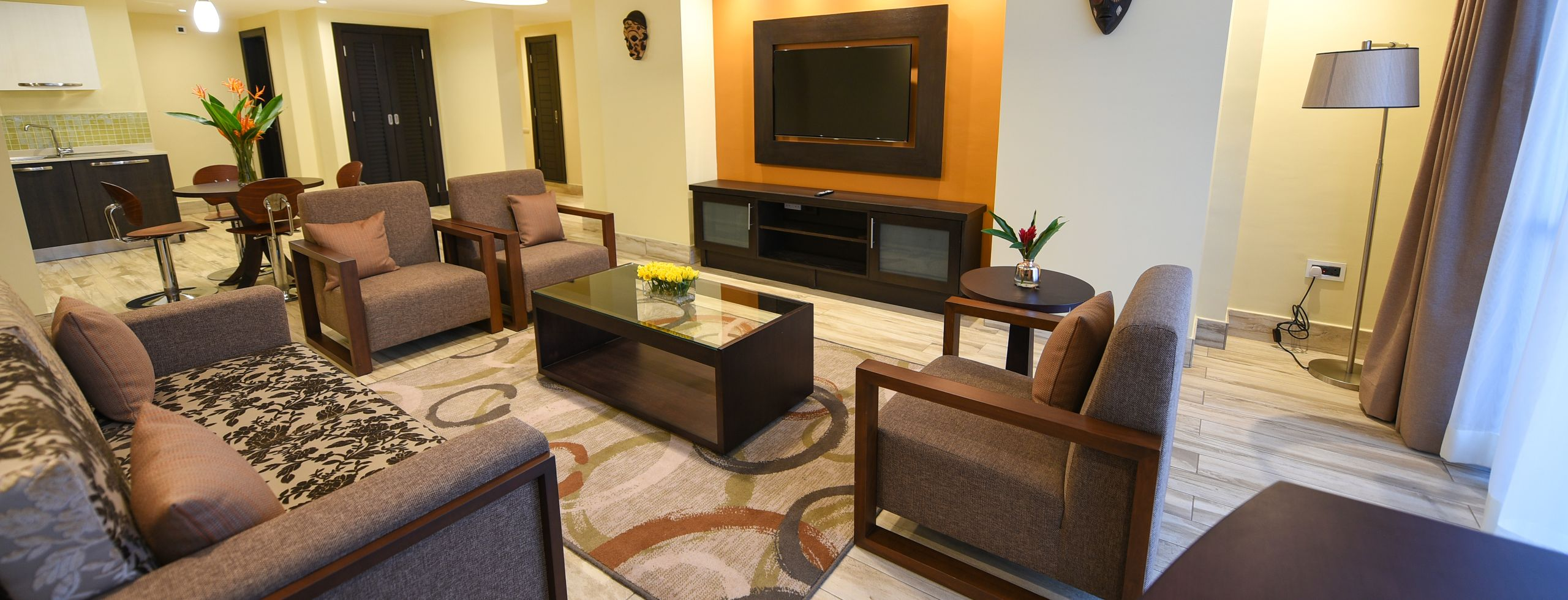 Accommodation 2 bed 3 lounge